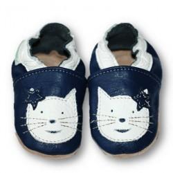 Chat blanc et bleu marine 22